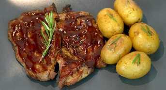 Χοιρινά μπριζολάκια με μαρινάδα BBQ