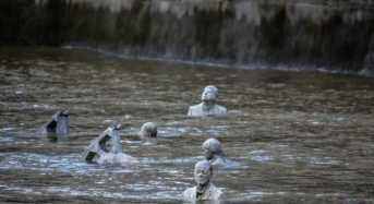 Οι «καβαλάρηδες» του Λονδίνου που χάνονται με την παλίρροια!