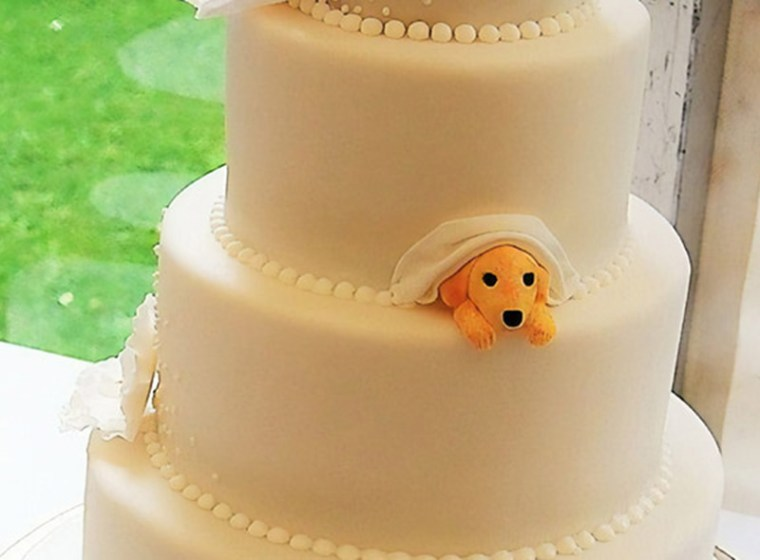 Wedding Cakes Featuring Dogs