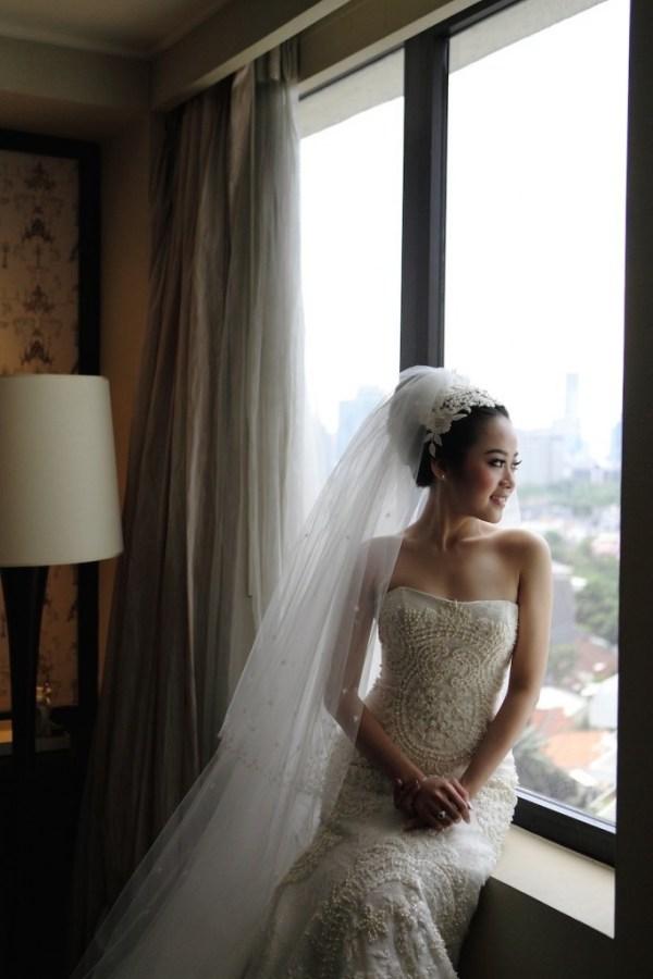 Yefta Gunawan Wedding Dress