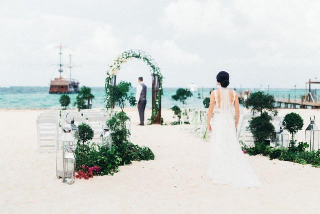 dreamy punta cana beach wedding- huracan cafe- asia pimentel10