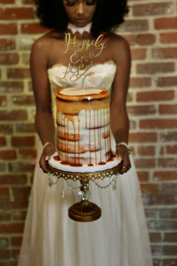 drizzle-wedding-cake_-african-bohemian-shoot