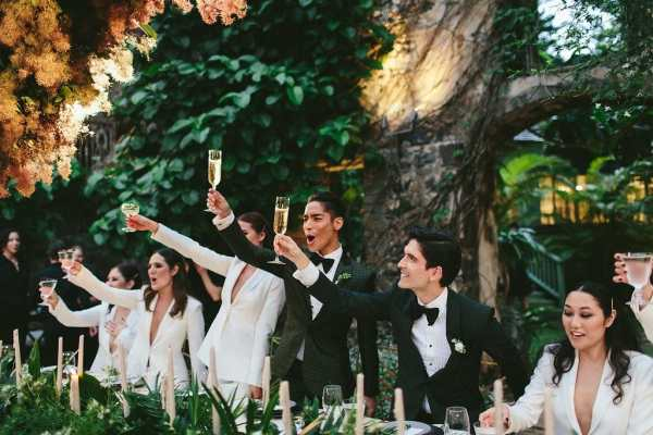 grooms champagne toast