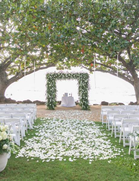 Breathtaking Destination Wedding at the Princeville Resort in Kauai -12