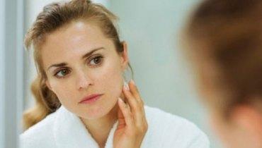 5 hábitos ruins que roubam a beleza de sua pele