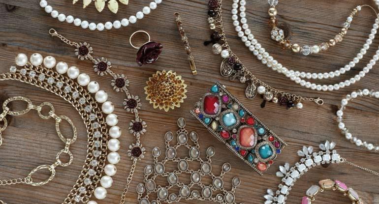 Jóias, semi-joias ou bijuterias?