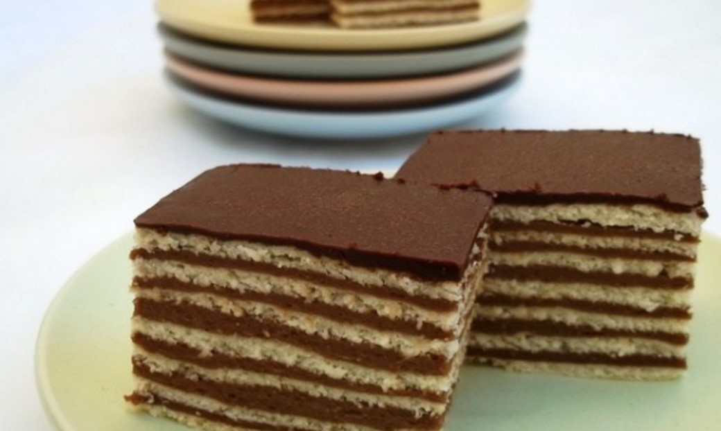 Tortë me petë