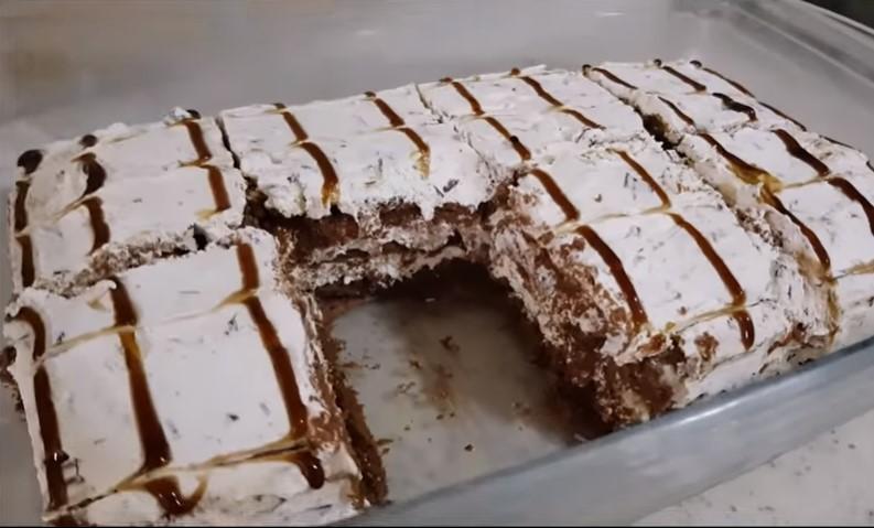 Tortë e shpejtë me keksa