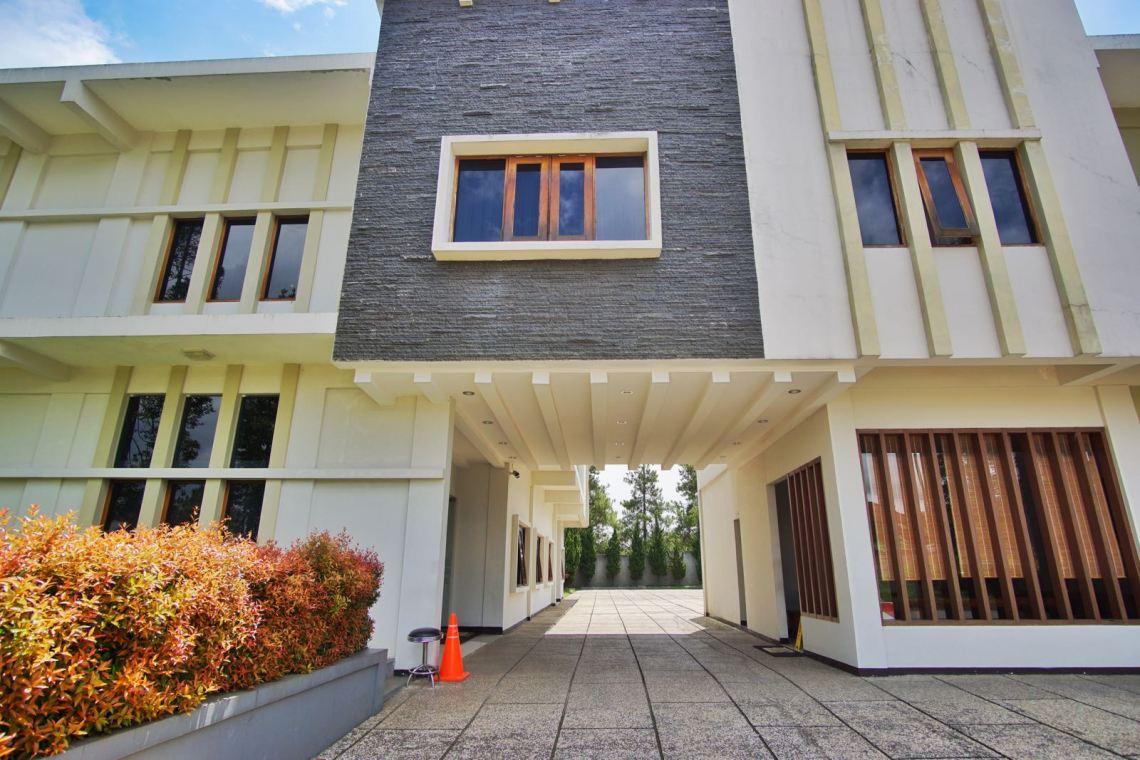 Villa Puri Teras Lembang Depan