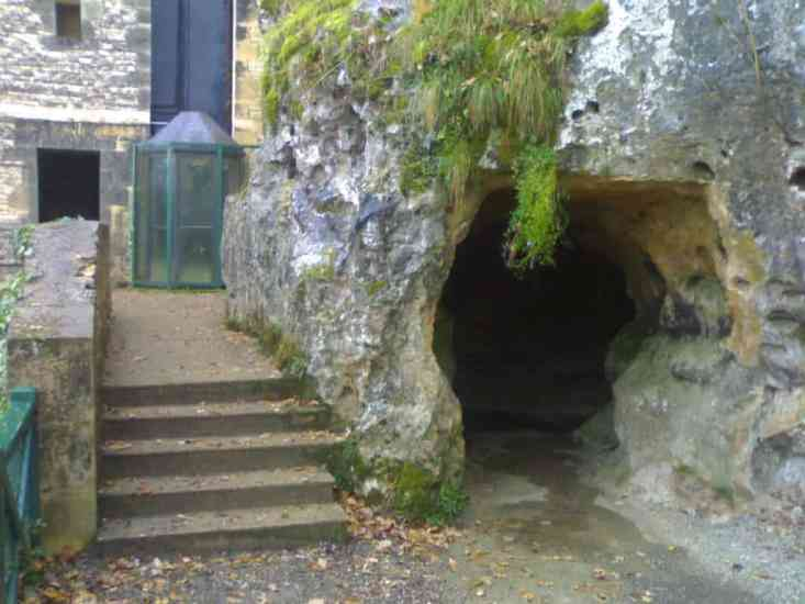 Domme Cave