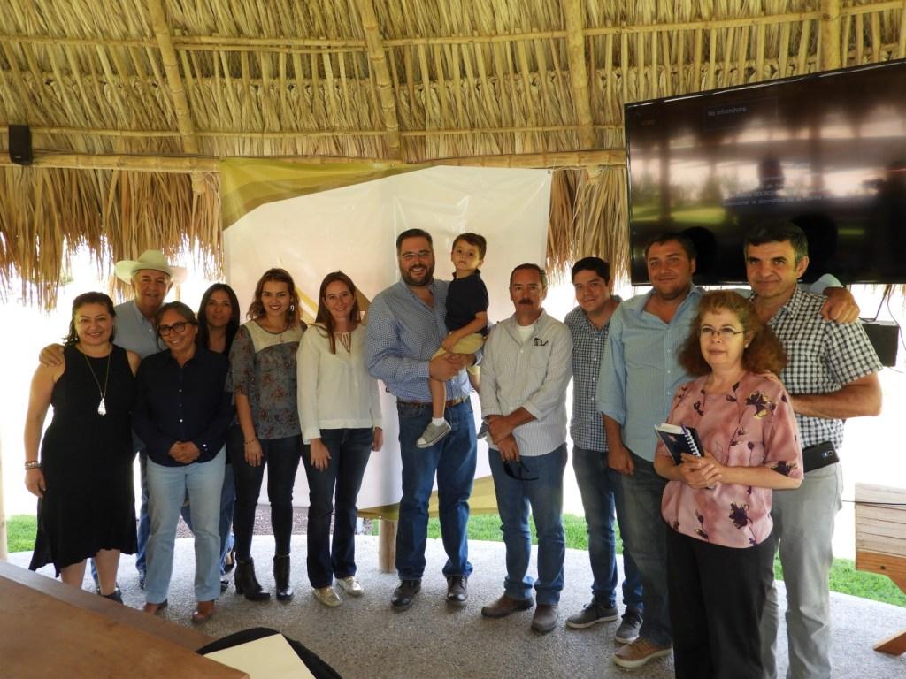Manuel Pozo se reúne con Asociación de Productores Queretanos de Queso