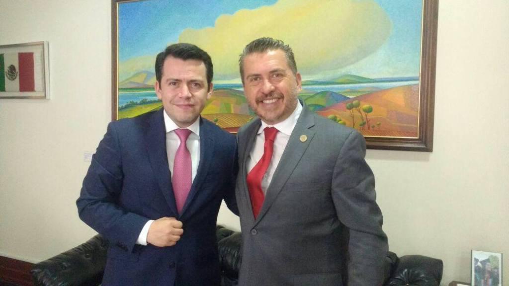 Hugo Cabrera gestiona recursos para Querétaro