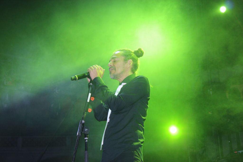 10 mil disfrutan del concierto gratuito de Café Tacvba en Querétaro Capital
