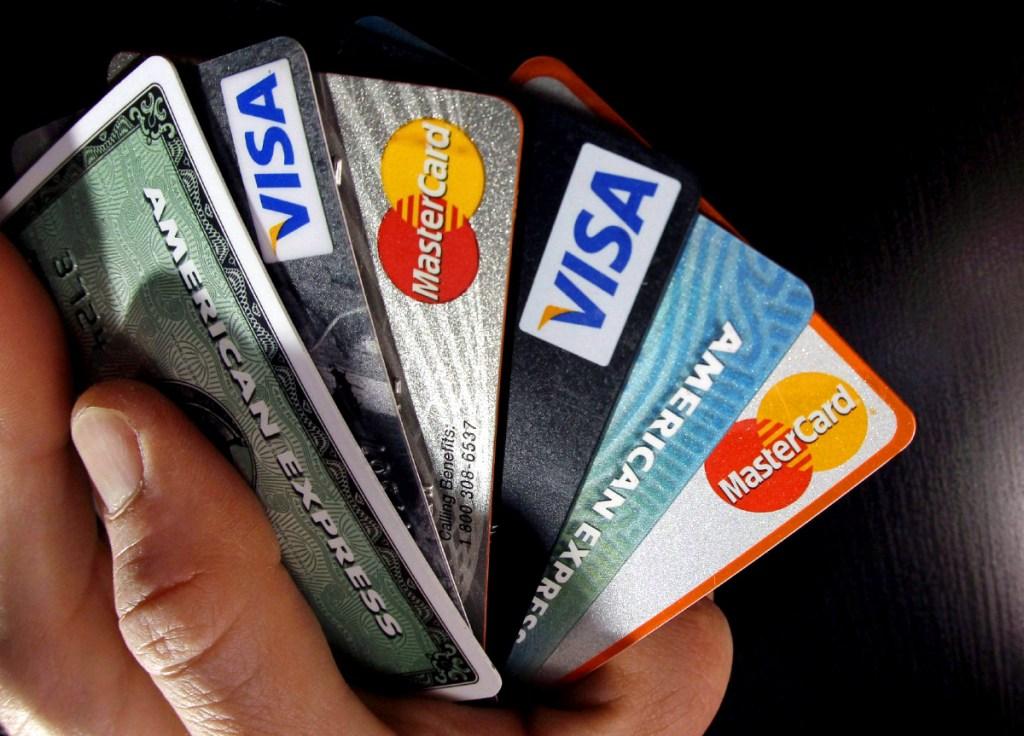 Las peores tarjetas de crédito según la CONDUSEF