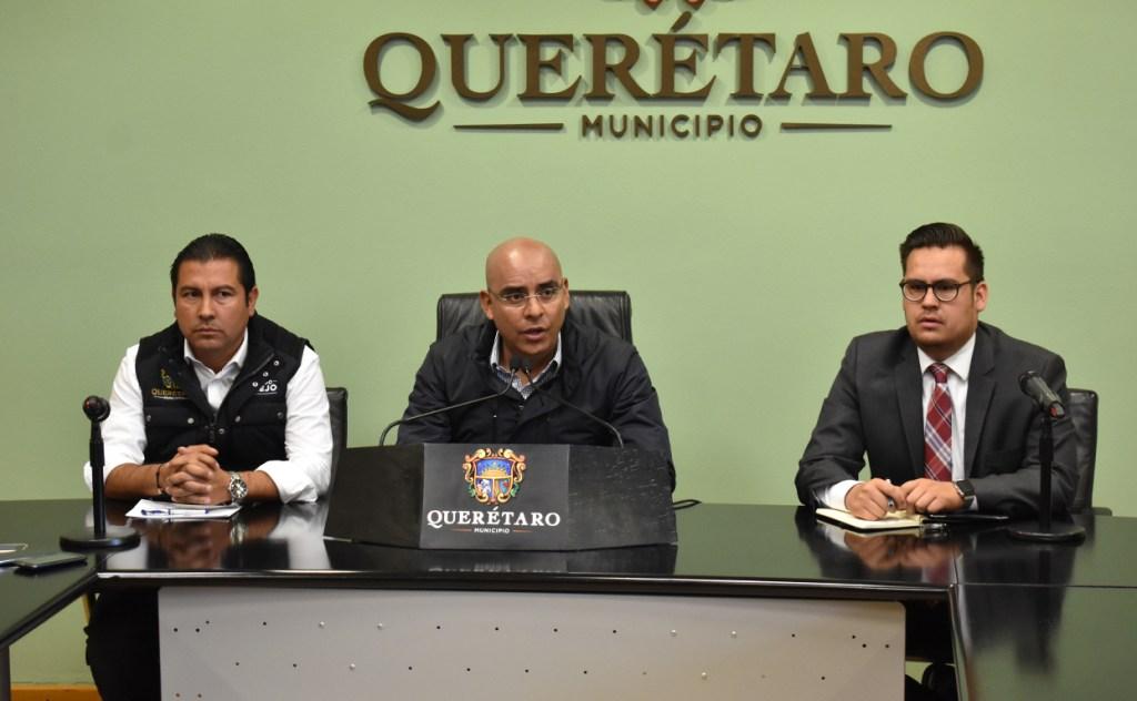 Marcos Aguilar en conferencia de prensa, referente al tema de Plaza de las Américas.