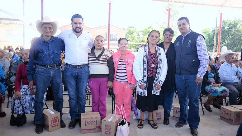 Asiste Betín Rocha a la entrega del Programa Juntos por tu Alimentación en Concá