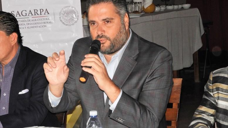 Manuel Pozo canaliza 15 mdp para apoyar a ganaderos de Querétaro