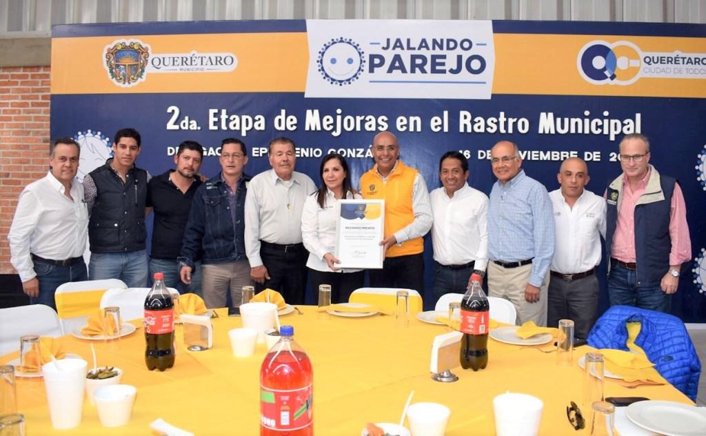 Marcos Aguilar Vega, entregó la segunda etapa del mejoramiento del Rastro Municipal Querétaro TIF 412; obra donde la administración municipal ejecutó una inversión de 2 millones 356 mil pesos.