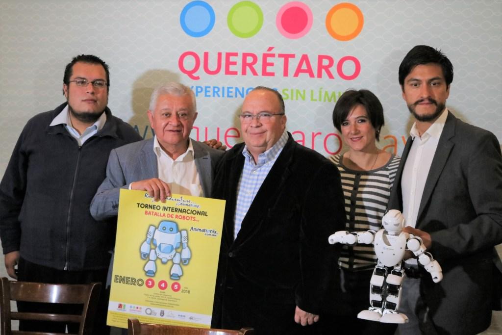El secretario de Turismo, Hugo Burgos García presentó junto con Erasto Martínez Jiménez y Juan Velázquez, el evento Robotic Adventure Animatronix que se presentará en el Querétaro Centro de Congresos (QCC).