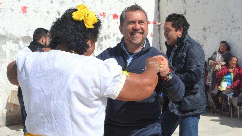 Gestiona Hugo Cabrera recursos para mejoramiento de imagen urbana