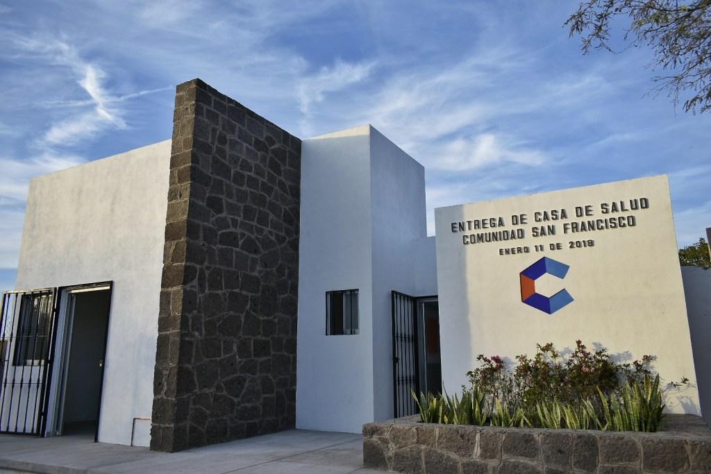 La Casa de Salud tuvo una inversión de 639 mil 148 pesos, beneficiará alrededor de 300 habitantes, aproximadamente 60 familias, y su construcción abarca 82m2