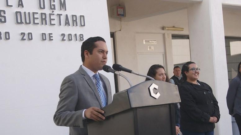 Josué Guerrero plantea llegar a entregar 60 mil becas educativas en Corregidora