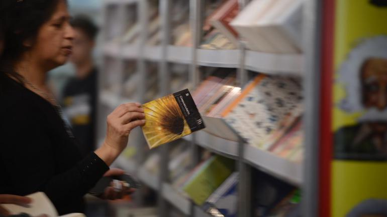 Feria del Libro: recorrido guiado entre stands, ofertas y algunas novedades