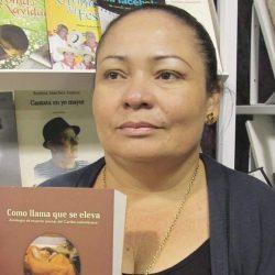 Monteriana Ela Cuavas, primera mujer en ganar Premio Nacional de Poesía