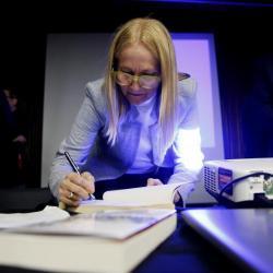 """""""La corrupción está enquistada en sociedad colombiana"""", dice Alba Pérez del Río"""