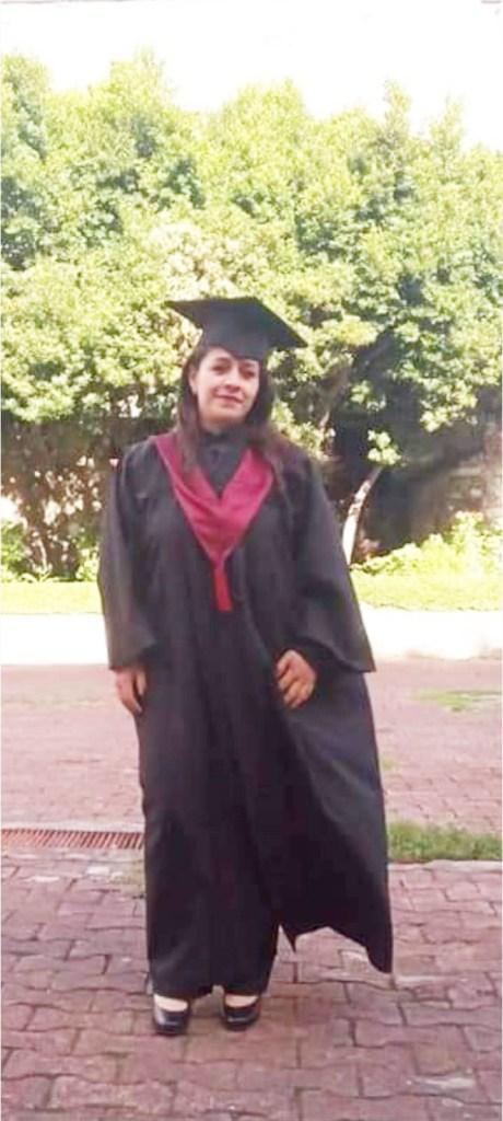 Olga Adriana Escobar Martínez se recibió como Licenciada en trabajo social.