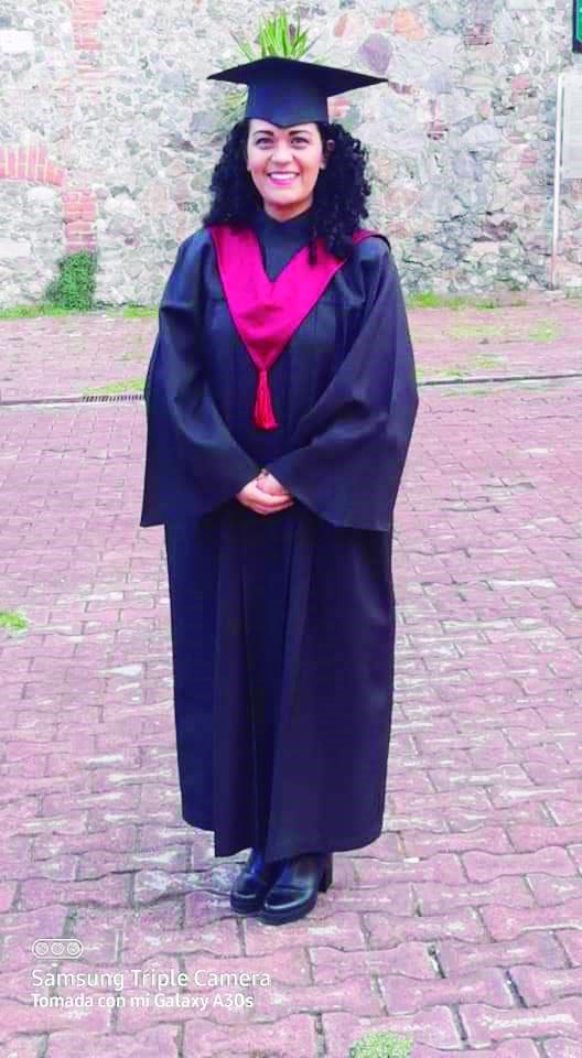 Karen Lizeth González Lira se recibió como Licenciada en trabajo social.