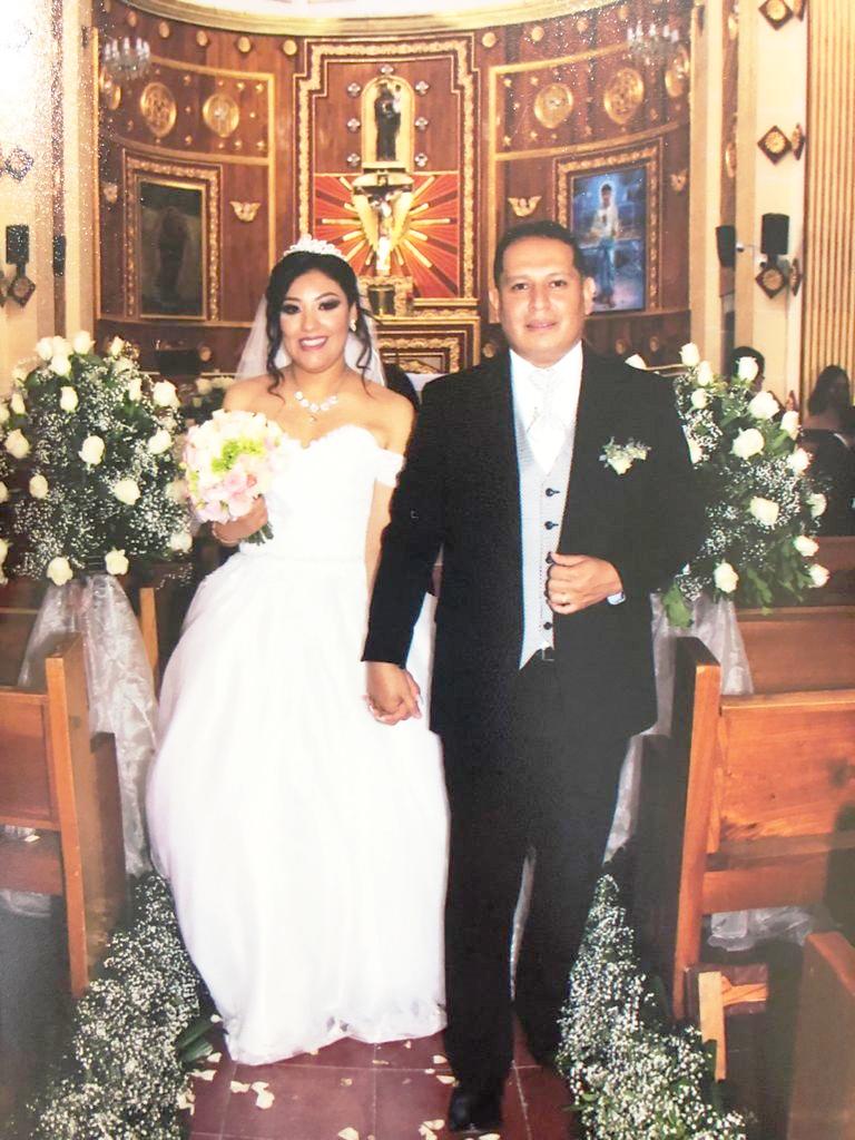 Edna Castro y Enrique Hidalgo después de jurarse amor eterno.