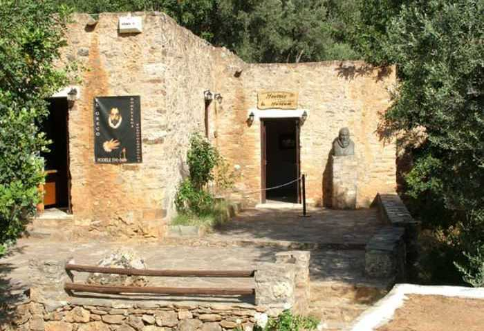 Φόδελε Το παραμυθένιο χωριό της Ελλάδας όπου γεννήθηκε ο Έλ Γκρέκο. Όαση πρασίνου, λουλουδιών, χρωμάτων, αρωμάτων και νερών!