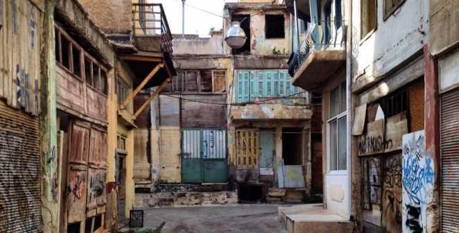 Άγιος Διονύσης στον Πειραιά Μια γειτονιά,σαν παλιό σινεμά