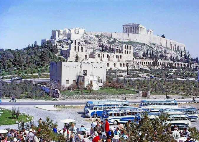 Πέντε σπάνια φωτογραφικά στιγμιότυπα της ελληνικής πρωτεύουσας από τις δεκαετίες του '50, του '60 και του '70