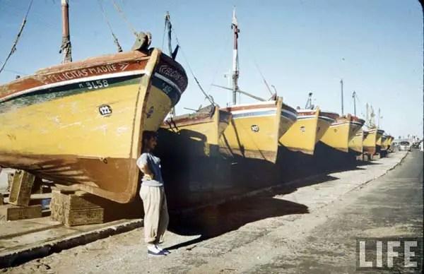 Los clásicos barcos amarillos pesqueros.