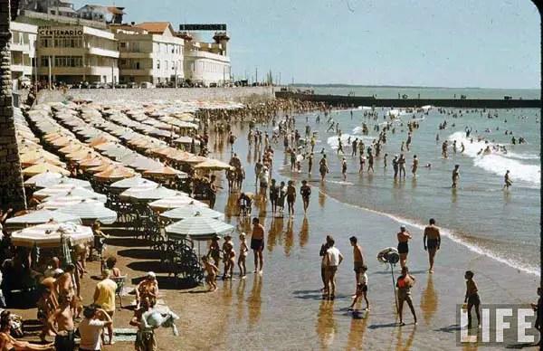 Playa Varese (ex Playa de los Ingleses, le cambiaron el nombre después de la Guerra de Malvinas), varios de esos hoteles fueron demolidos para hacer el paseo que actualmente existe.