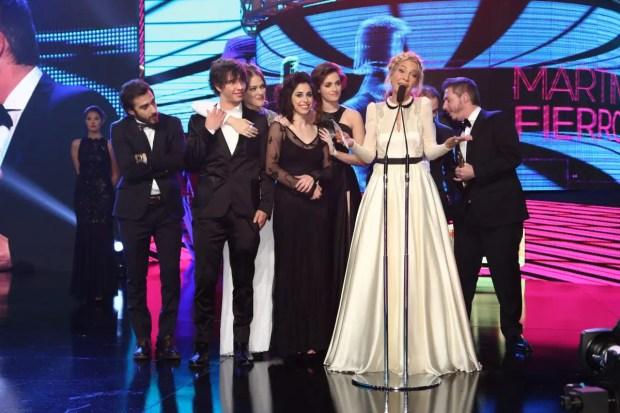 El momento más emotivo de la noche lo protagonizó la productora Cris Morena que recordó a su hija Romina Yan, fallecida en 2010 de un paro cardíaco a los 36 años, al recibir su premio a la mejor serie Infantil Juvenil.