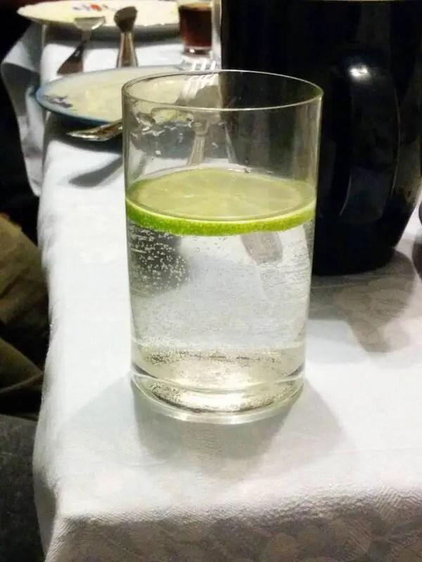 El tamaño de la lima y el diámetro del vaso fueron calculados a medida.