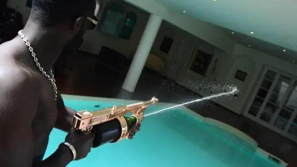 champagne-gun2-600x337