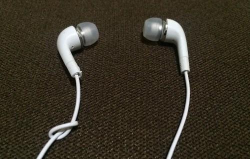 left-right-earphone