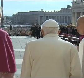 Benedicto, en San Pedro, con los ancianos