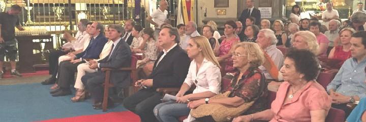 Políticos madrileños, en la fiesta de los abuelos de Mensajeros
