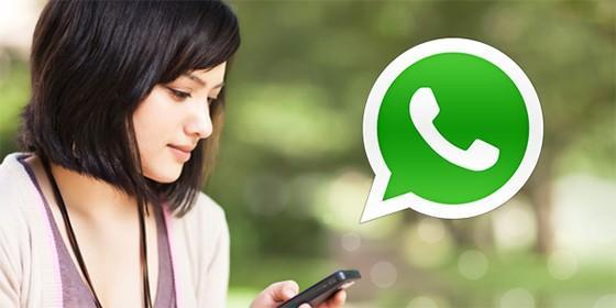 Resultado de imagen de chica whatsapp