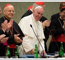 El Papa sonriente en el Sínodo