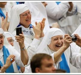 Monjas en la audiencia papal