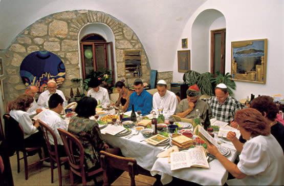 Resultado de imagen para imagenes familia judía asesinada durante el sabbat