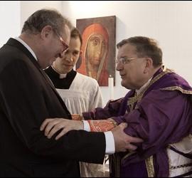 Matthew Festing y Raymond Burke, responsables de la Orden de Malta