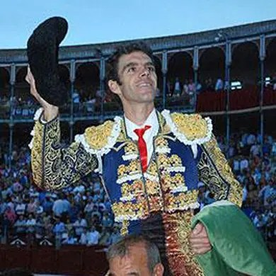 José Tomás corta dos orejas a ley tras una gran tarde en Salamanca