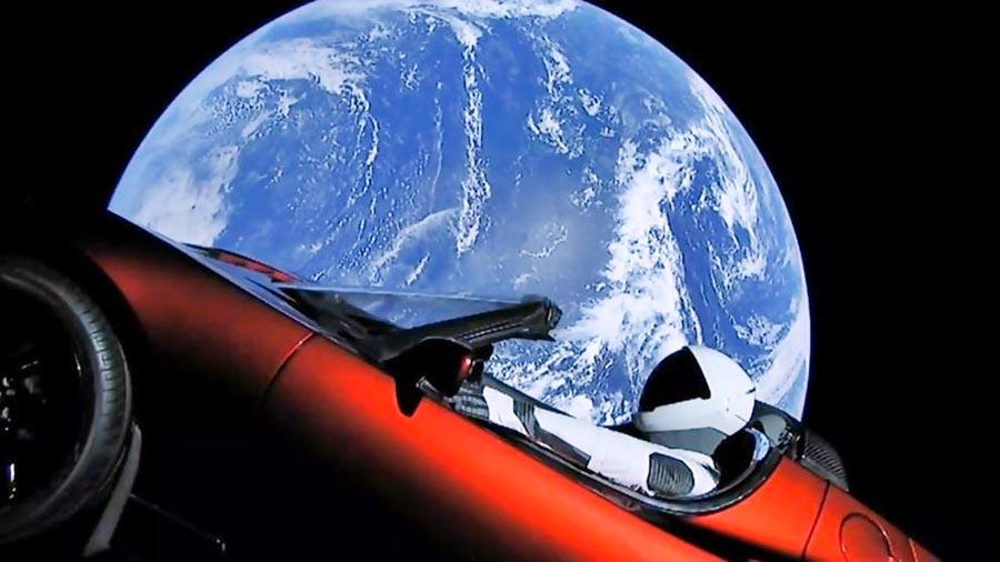 El Tesla rojo de Elon Musk llegó a la órbita de Marte